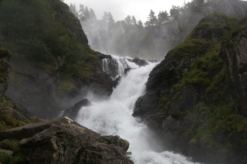 V16-DKNorge 2620 route vers Odda Latefoss 2